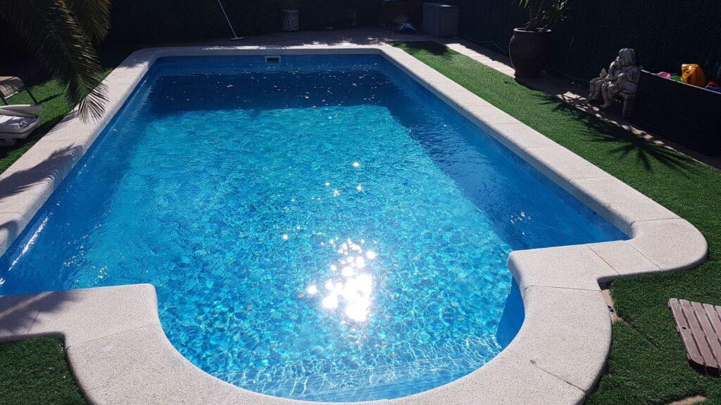 reparacion y limpieza de una piscina